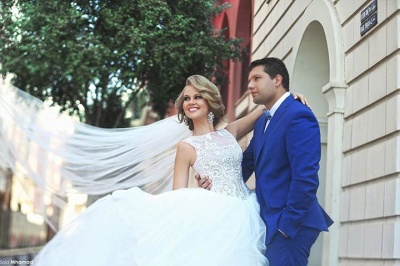 Lace Applique Ball Gown Wedding Dresses Princess Jewel Neck Lace-up Back Long Bridal Gowns_3