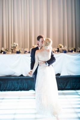 Elegant Simple Appliques Backless Sweetheart Tulle Wedding Dresses_3
