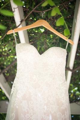 Elegant Simple Appliques Backless Sweetheart Tulle Wedding Dresses_4