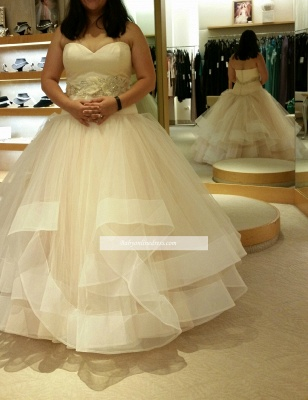 Tiered Exquisite Crystal-Sashes Sweetheart Tulle Sleeveless Ball-Gown Wedding Dresses_1