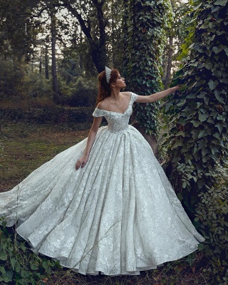 Luxurious Off The Shoulder Sweetheart Backless Floral Lace Pleated Ball Gown Wedding Dresses_4