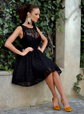 Simple Scoop Sleeveless Lace A-Line Homecoming Dresses | Black Mini Cocktail Dresses_4
