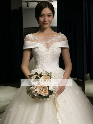 Train Puffy Exquisite Cathedral Scoop Lace-Applique Cap-Sleeves Wedding Dresses_1